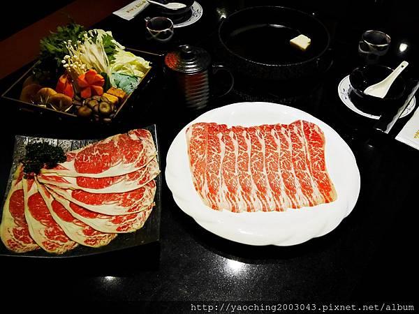 1424227532 1824157297 n - 【熱血採訪】台中西區潮鍋本家 頂級肉品搭美女鍋邊服務!
