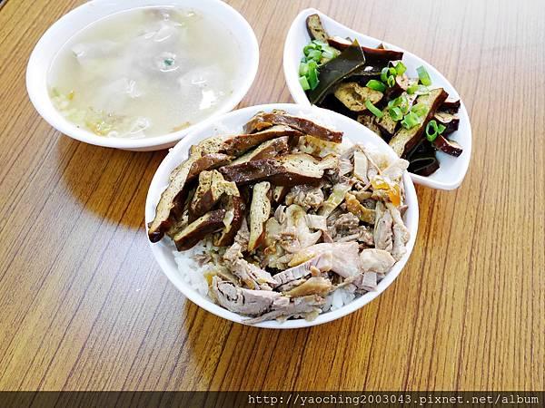 1424228227 2927533653 n - 台中南屯福記香滷鴨肉飯 搬家後店面廣品項更多,肉香飯足好好味