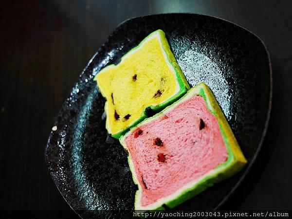 1436449411 458215042 n - 台中大里 潘朵拉西點 夏天就是要吃西瓜啊,不然要幹嘛!台中也有2015超人氣的西瓜土司了,不用再跑宜蘭吉米、新竹或花蓮了