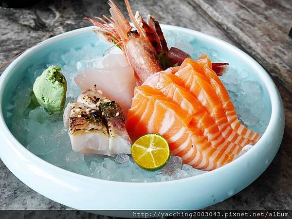 1436705774 3082218065 n - 【熱血採訪】台中西屯 星享道久享日式料理吃到飽,約50道的選擇,整體來說都蠻精緻的,生魚片新鮮厚度夠,專人服務上桌免搶啦