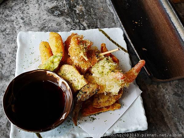 1436705855 1116373455 n - 【熱血採訪】台中西屯 星享道久享日式料理吃到飽,約50道的選擇,整體來說都蠻精緻的,生魚片新鮮厚度夠,專人服務上桌免搶啦
