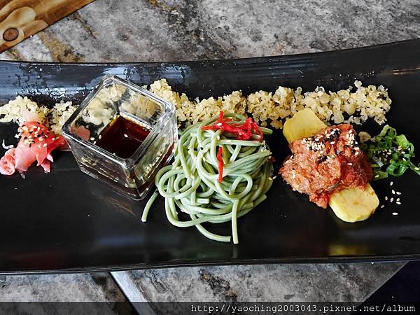 1436705880 1303427774 n - 【熱血採訪】台中西屯 星享道久享日式料理吃到飽,約50道的選擇,整體來說都蠻精緻的,生魚片新鮮厚度夠,專人服務上桌免搶啦