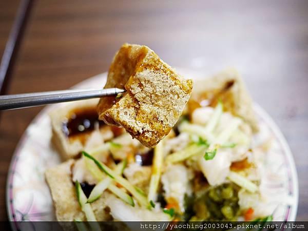 1438416839 901772061 n - 台中北區 廟口阿嬤臭豆腐,來自苗栗通霄的40年美味在台中也能吃得到,臭豆腐與豬血湯真的不錯