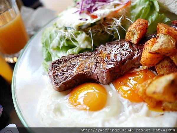 1438520318 1545123222 n - 台中北屯 Olimato奧樂美特美式早午餐,寧靜的小街供應的只有飽到不行的早午餐,小鳥胃只能搖頭