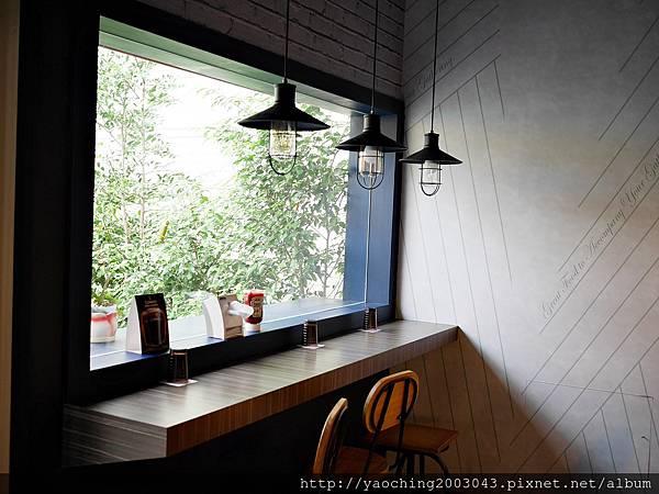 1438520349 616702907 n - 台中北屯 Olimato奧樂美特美式早午餐,寧靜的小街供應的只有飽到不行的早午餐,小鳥胃只能搖頭