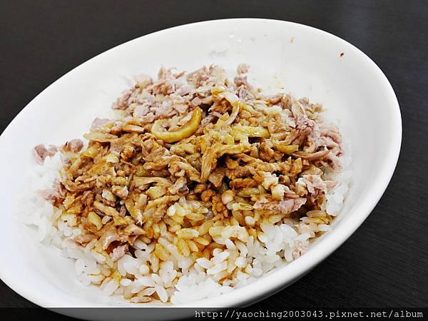 1443448428 3532119079 n - 台中西屯 北港王鴨肉飯,來自北港的傳統好味道,鹹香醬汁搭上鴨肉絲來拌飯,一口口不要停