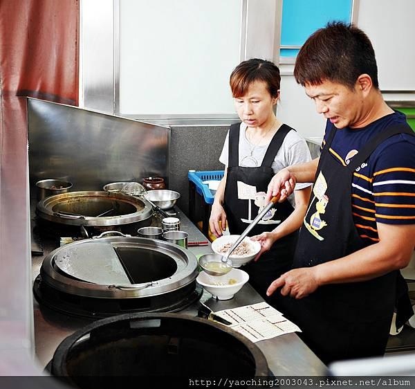 1443448468 3808729953 n - 台中西屯 北港王鴨肉飯,來自北港的傳統好味道,鹹香醬汁搭上鴨肉絲來拌飯,一口口不要停