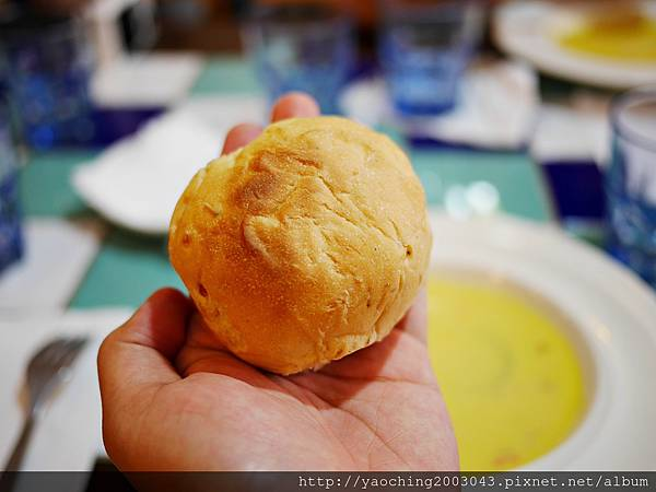 1445273451 4013334642 n - 台中西區 波西塔諾義式料理,手工馬鈴薯麵疙瘩蓋美味,別忘了來份主廚特製甜點,喜歡剪不斷牽絲感的起士鍋等著你
