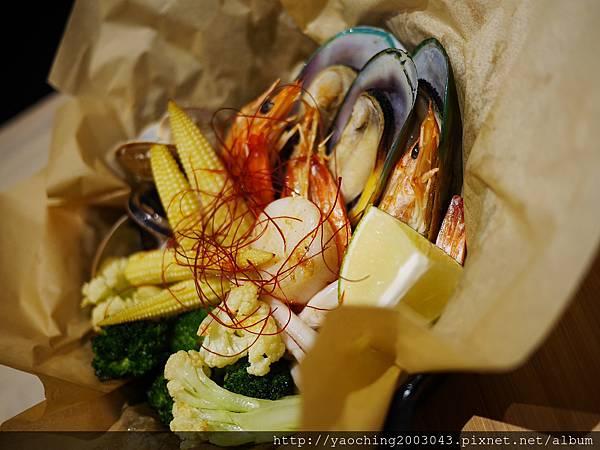 1451831888 3630494339 n - 【熱血採訪】台中西區 TAPIOCA榙皮歐卡義式餐廳,店家推薦以珍珠入菜的各種料理,適合多人聚餐共享,甜點也美味可口 分享