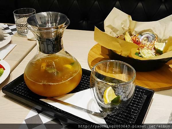 1451831918 4278892401 n - 【熱血採訪】台中西區 TAPIOCA榙皮歐卡義式餐廳,店家推薦以珍珠入菜的各種料理,適合多人聚餐共享,甜點也美味可口 分享