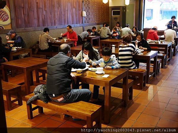 1452035930 45203621 n - 【熱血採訪】台中北屯 新唐人豬腳三訪,冬季熱呼呼的小火鍋上市了,還有超值的年菜組合讓媽媽們都能輕鬆過年
