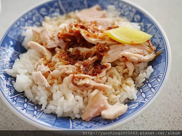 1455245325 314170486 n - 台中北屯 饡味軒嘉義火雞肉飯,建議點便當最為划算,任選三樣菜還有一碗大火雞肉片飯,而非火雞肉絲飯
