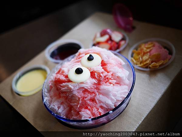 1456184020 3535665151 n - 台中大里 雪花軒,大里高中的知名雪花冰店,莓色繽紛的浪漫來襲只限定這個季節,還不快來享受粉紅怪獸的攻擊