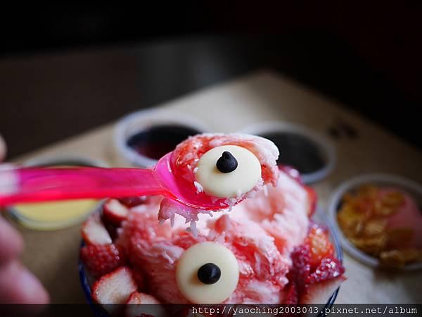 1456184046 106291121 n - 台中大里 雪花軒,大里高中的知名雪花冰店,莓色繽紛的浪漫來襲只限定這個季節,還不快來享受粉紅怪獸的攻擊