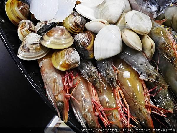 1462183969 1516092302 n - 【熱血採訪】台中北屯 蟹驚艷海鮮餐廳,各種活跳跳生猛海鮮都能為您料理,螃蟹海鮮料理的專門家,現在打卡還有送干貝,一人打卡送一顆以此類推