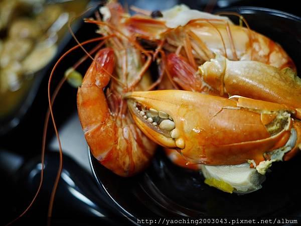 1462184037 4165074094 n - 【熱血採訪】台中北屯 蟹驚艷海鮮餐廳,各種活跳跳生猛海鮮都能為您料理,螃蟹海鮮料理的專門家,現在打卡還有送干貝,一人打卡送一顆以此類推