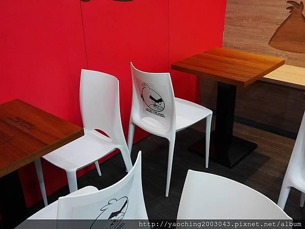 1463528811 4082867605 n - 【熱血採訪】台中北區 Angrybirds憤怒鳥餐飲 健行店,台中第一家憤怒鳥餐飲開幕了,造型怒鳥燒、怒鳥堡大人小孩都開心,一日小店長、小設計師等親子活動也接受預約中,近科博館、