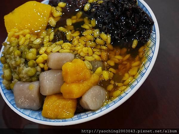 1473868003 3226583414 n - 【熱血採訪】台中西區 金華61鴉片綠豆蒜,榮獲2012台南最佳傳統美食,是綠豆蒜不是大蒜,桂花香的水果冰也清爽美味