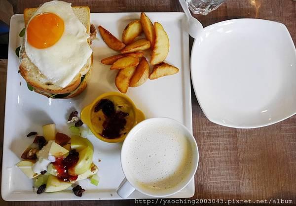 1473993306 2176792197 n - 台中北區 好食慢慢,住宅區內的高人氣飲食店,假日限定的特別早餐數量很有限,近賴厝國小