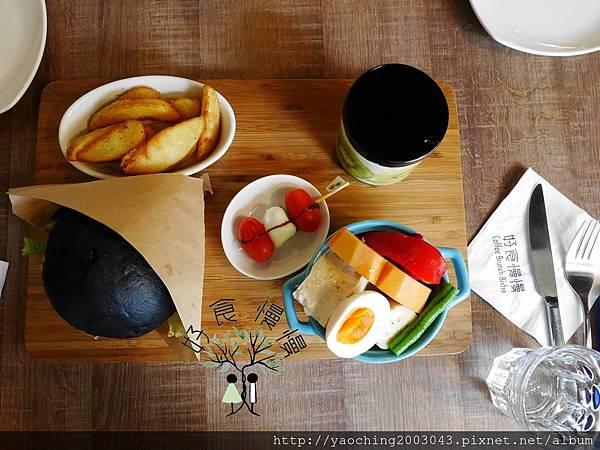 1473996078 1403713010 n - 台中北區 好食慢慢,住宅區內的高人氣飲食店,假日限定的特別早餐數量很有限,近賴厝國小