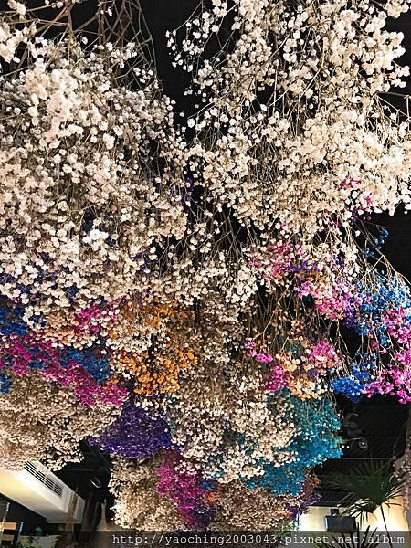 1496936706 1958679786 n - 台中西區 花間散步植物美學,草悟道旁的乾燥花、永生花、多肉植物店,小巧店面除了現場販售外也提供客製需求,畢業花束、結婚花束熱賣中,許對方一個永不褪色的豔花