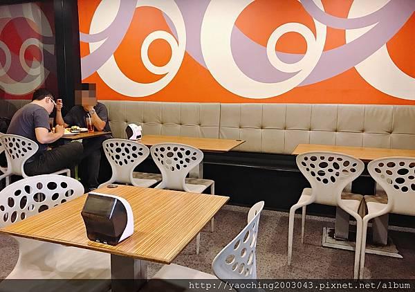 1498527995 615219400 n - 台中西屯 Mak&May 老字號的逢甲簡餐店將一店與二店整併,套餐都有附飲料,咖哩及白飯可續添一次,近逢甲大學Mos burger