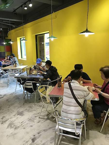 1499696705 3469774661 n - 台中西區 Mamak檔 馬來西亞料理,平價美味的南洋風味飄進勤美商圈,招牌塔餅高聳吸睛,近勤美商圈、廣三SOGO