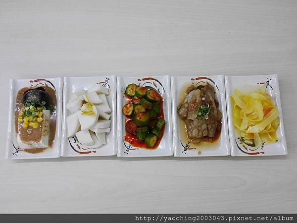 1502590593 142813437 n - 熱血採訪 |台中西屯 鵝鴨食堂,逢甲商圈少見的鵝鴨肉小吃店,還有肉品認證,吃起來更安心