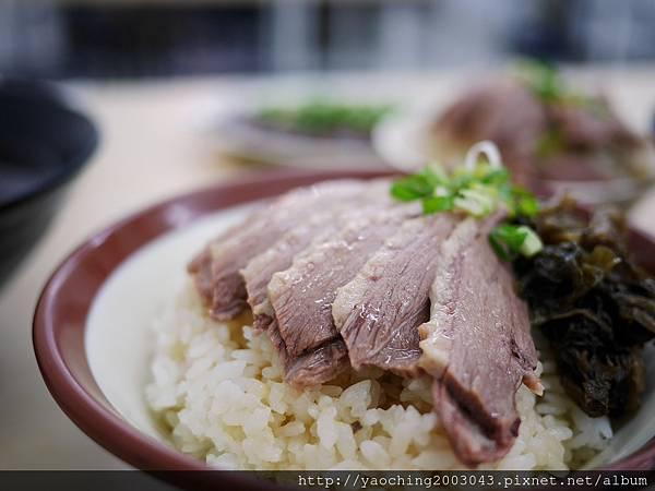 1502590647 2552964190 n - 熱血採訪 |台中西屯 鵝鴨食堂,逢甲商圈少見的鵝鴨肉小吃店,還有肉品認證,吃起來更安心
