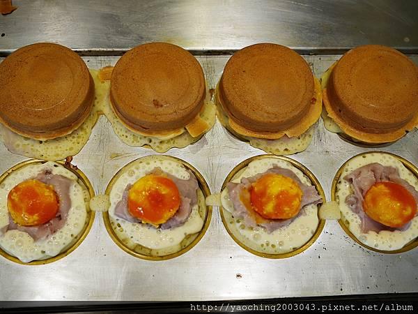 1503227917 2013356933 n - 熱血採訪│台中西區 大判燒,多口味的脆皮紅豆餅,首推鹹蛋黃芋頭、泡菜起司,購買8個還有紙盒盛裝,自用送禮都好看,金典酒店旁地點非常好找