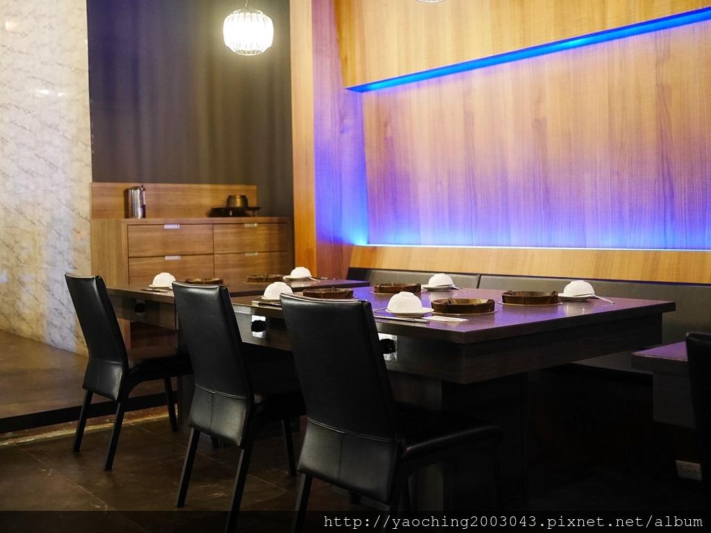 1547622945 3065370306 - 熱血採訪l 台中西屯 悅上引鍋物燒肉,和牛火烤兩吃搭配星巴克咖啡及飲料喝到飽,就連副餐食材也令人上癮