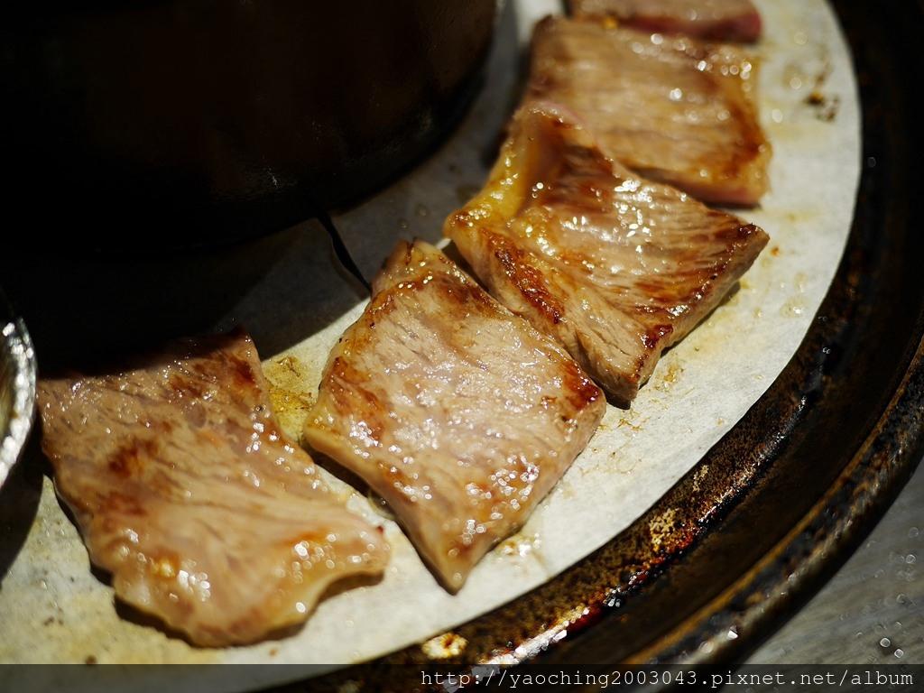 1547622980 643790395 - 熱血採訪l 台中西屯 悅上引鍋物燒肉,和牛火烤兩吃搭配星巴克咖啡及飲料喝到飽,就連副餐食材也令人上癮