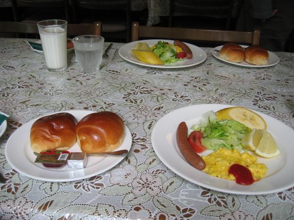 民宿豐盛的早餐