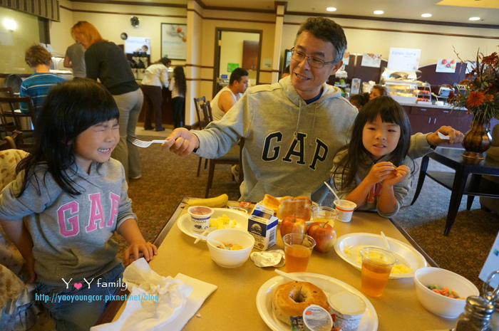 享用飯店豐盛的早餐