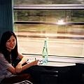 在往東部strasbourg的火車上寫明信片寄給好友