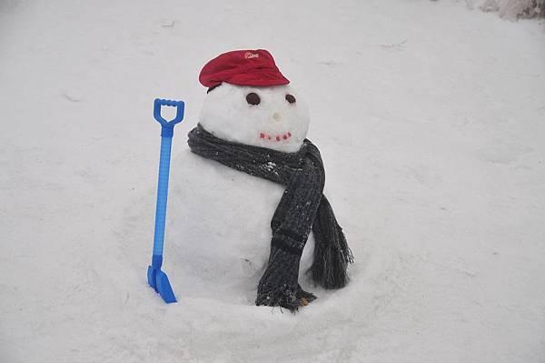 主峰頂上的雪人