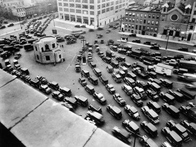 1920年充滿汽車的阿姆斯特丹