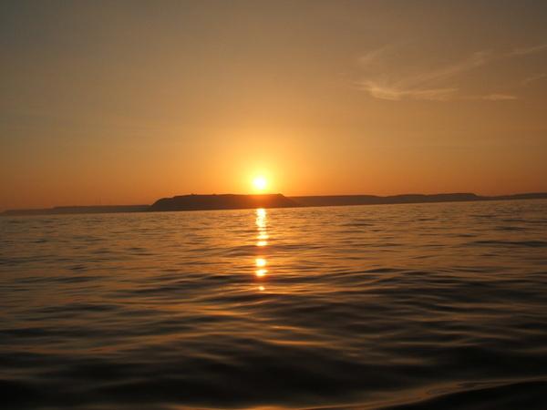 澎湖海山的夕陽景..拍的還不錯吧...
