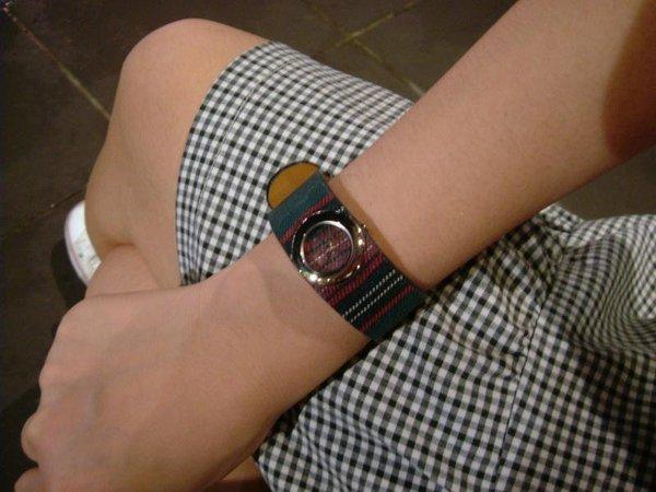 *看我手錶*
