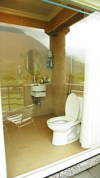 40.我的廁所是落地窗,超讚的
