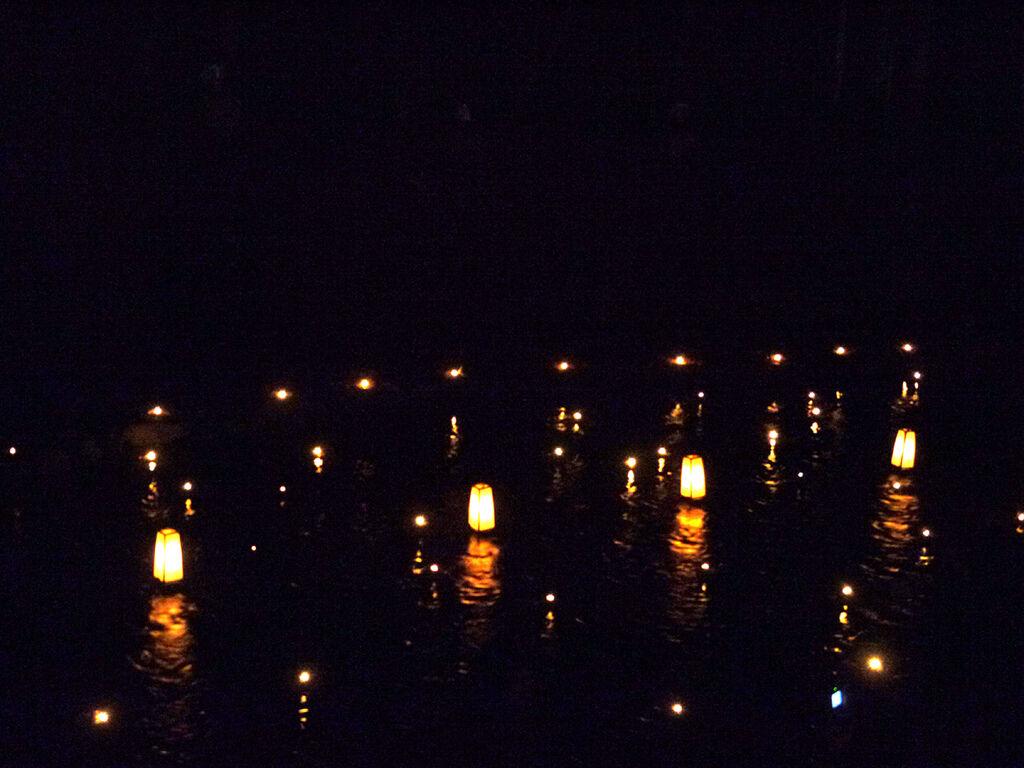貴船神社水燈籠2.JPG