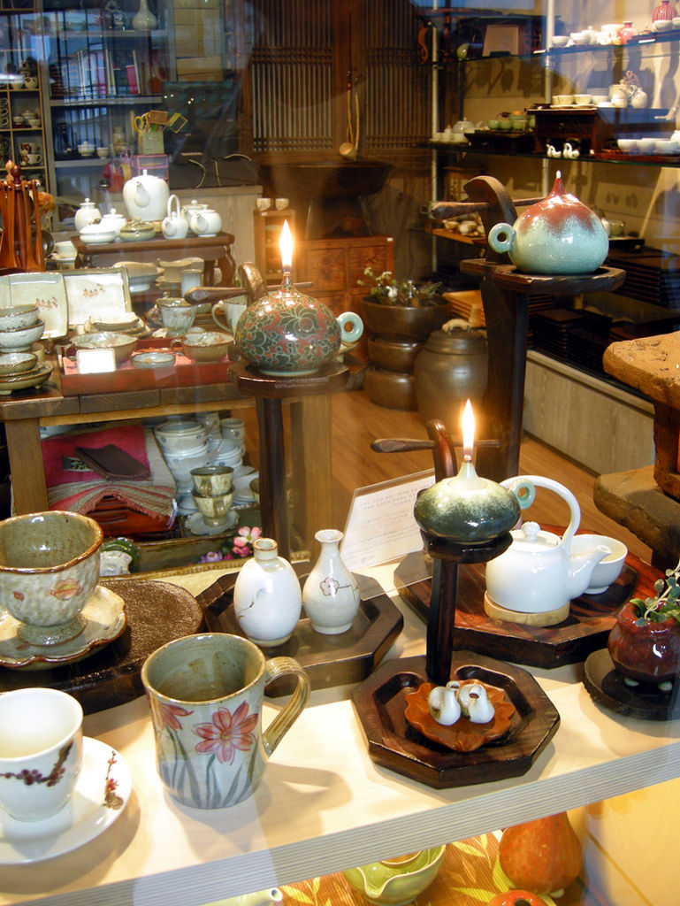 store_pottery1