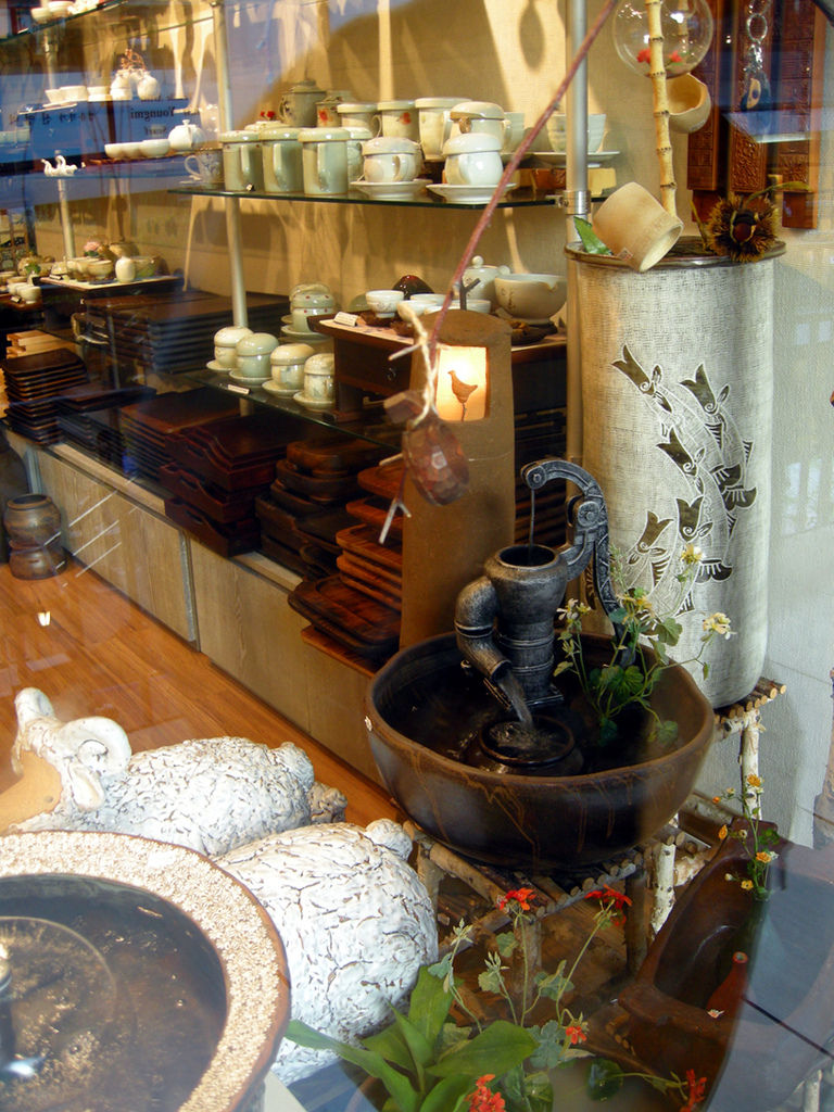 store_pottery2