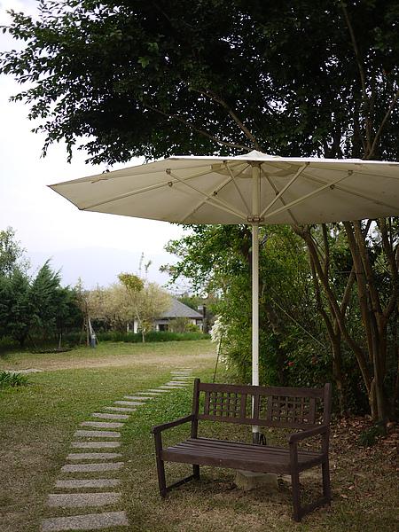 yard_unbrella.jpg