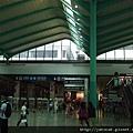 終於到了跟阿麗詩約的  紅磡火車站