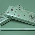 櫻花菸盒+漸層粉紅的濾嘴....