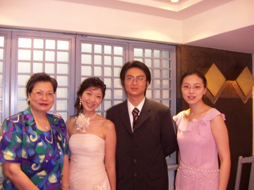 我和老媽跟Betty、小弘合照