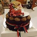 生日蛋糕居然放耶誕快樂@@