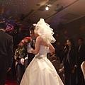 丈人爸~快把新娘交出來吧!!