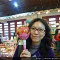 好大的草莓棒棒糖